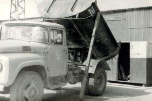 1981 г. Зил-555, на тех.обслуживании. Автобаза №3